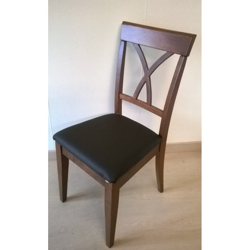 Table ronde avec rallonge 4 chaises table basse bric mat for Table ronde avec 6 chaises